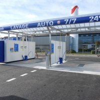 station de lavage 2 pistes haute pression avec couverture inox + portique Powerjet + Starbrosse