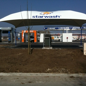 Aire de lavage complète avec StarBrosse HP, Powerjet et zone d'aspiration couverte
