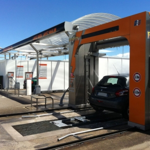 Rénovation d'un centre de lavage équipé de 3 pistes couvertes avec robot PowerJet
